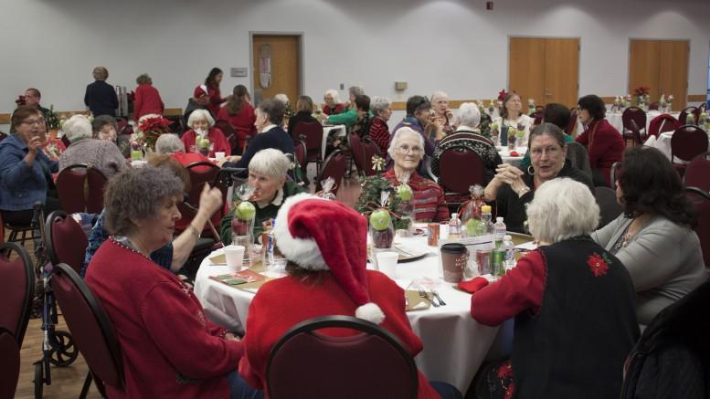 Seniors have festive breakfast with santa claus city of for Costa mesa motor inn